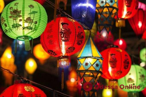 Сегодня в Одессе начнется фестиваль гигантских китайских фонарей
