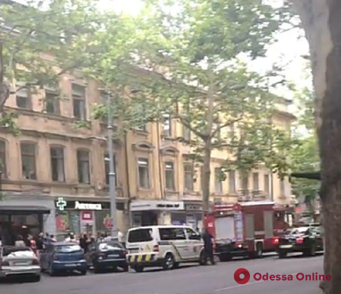 Полиция искала взрывчатку в концертном зале на Ришельевской
