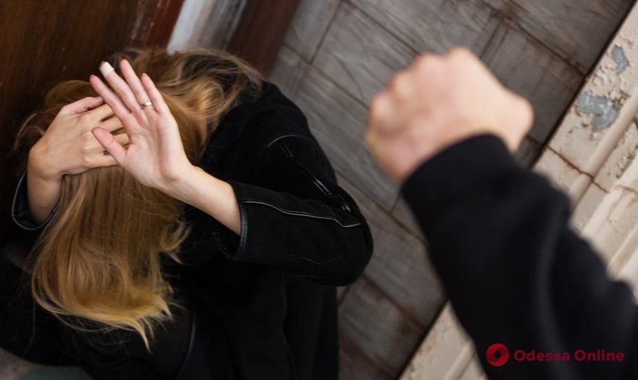Одессит пойдет под суд за избиение 16-летней соседки