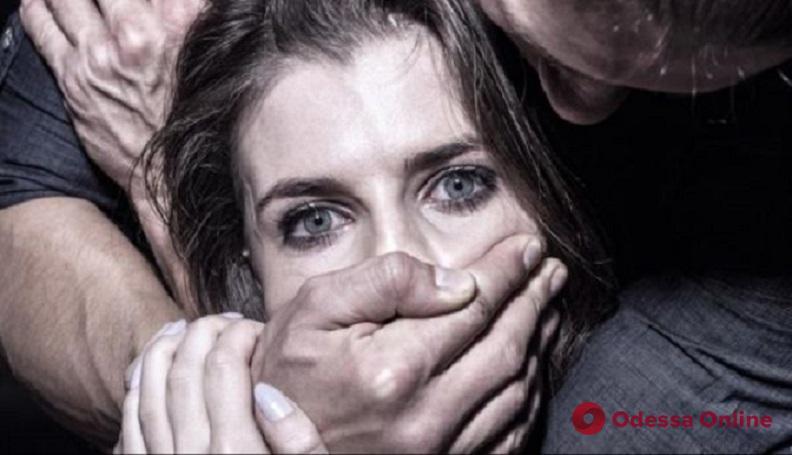В Южном рецидивист изнасиловал 18-летнюю беременную гостью города