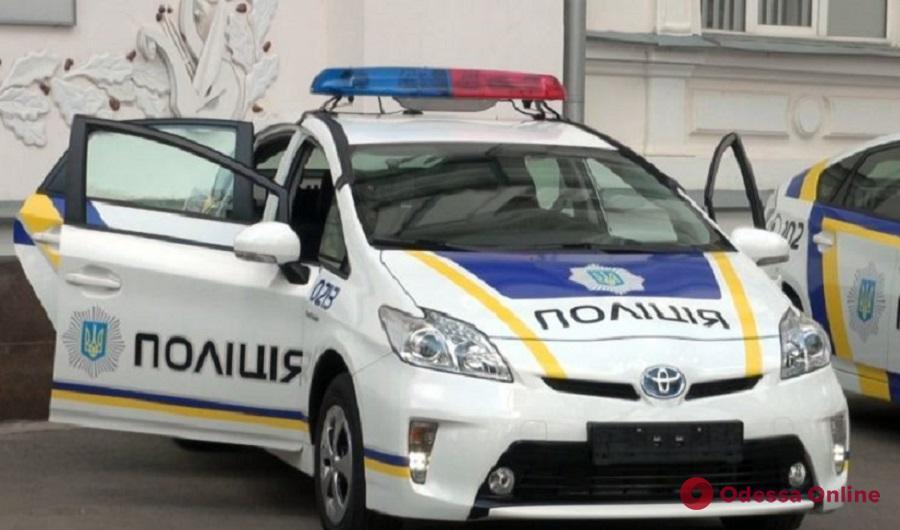 На Николаевской дороге столкнулись ВАЗ и патрульный автомобиль