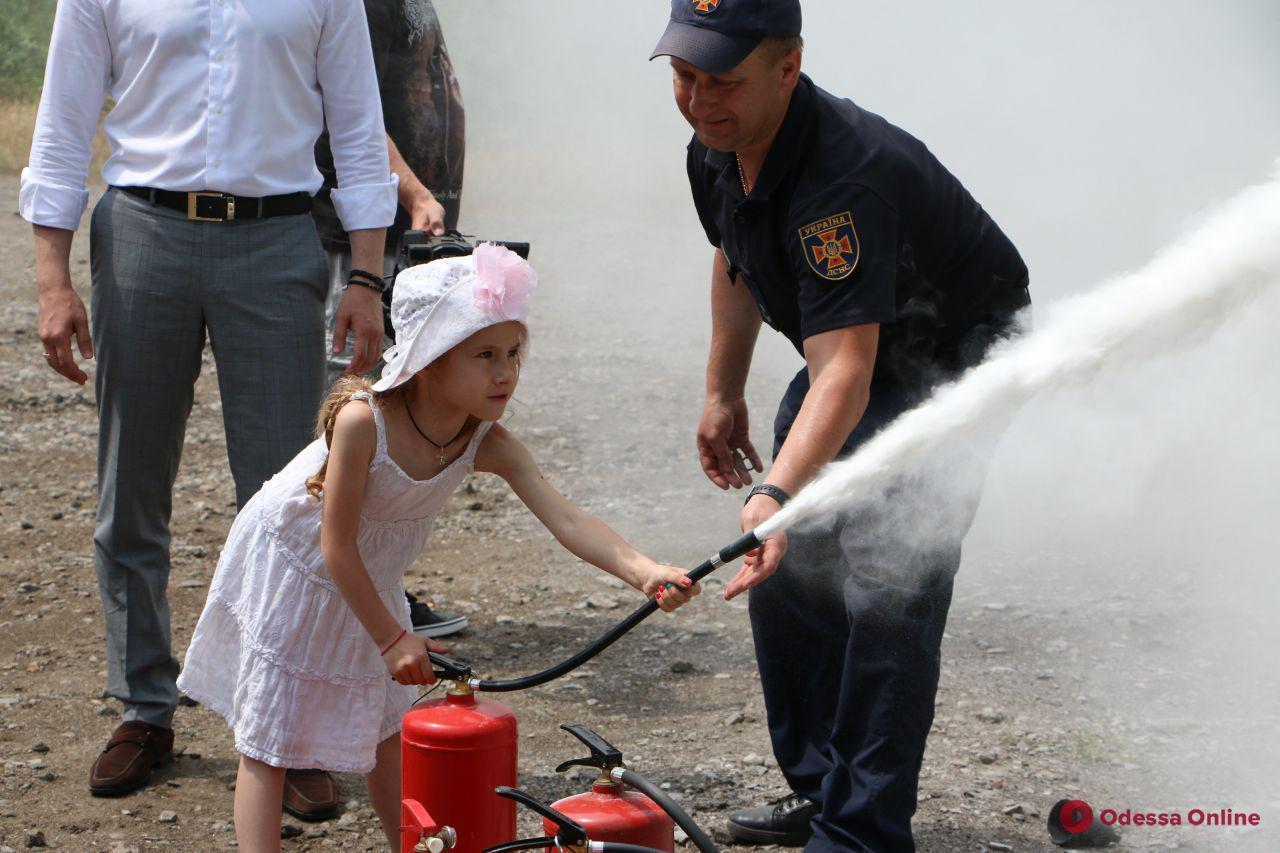 Юные одесситы тушили «пожар» на Ланжероне (фото)