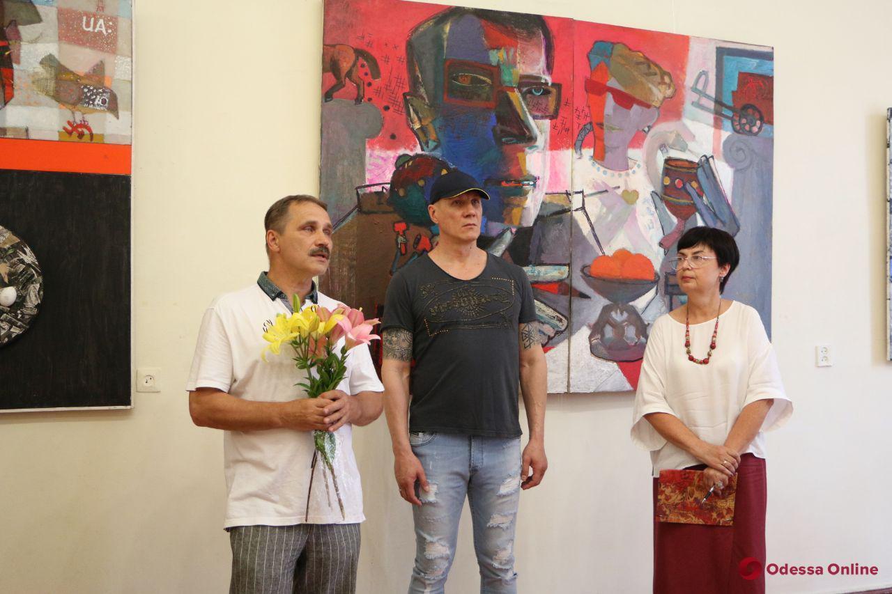 От реализма к абстракции: в Одессе открылась необычная выставка картин