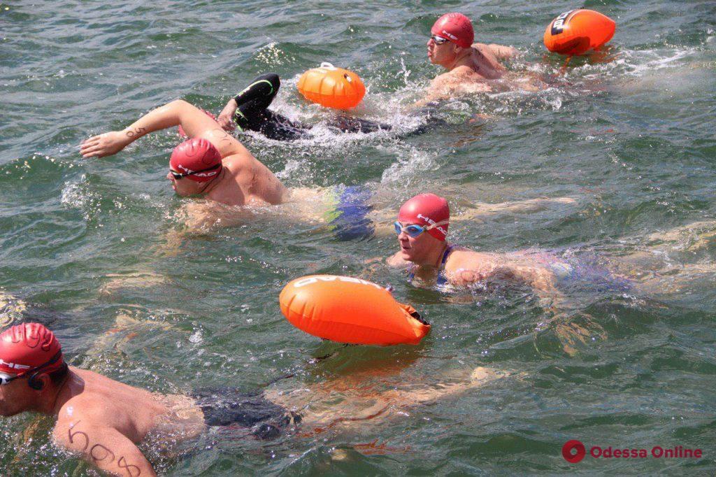 «Плавание — часть моей жизни», — 87-летний одессит принял участие в соревнованиях на открытой воде