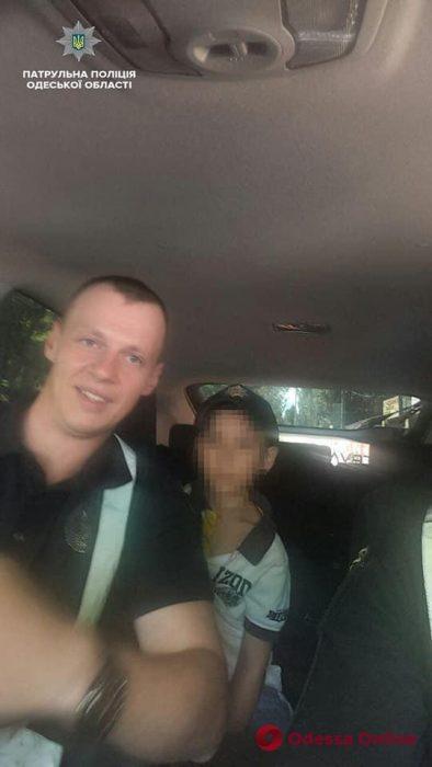 Одесские патрульные нашли на рынке потерявшегося 6-летнего мальчика