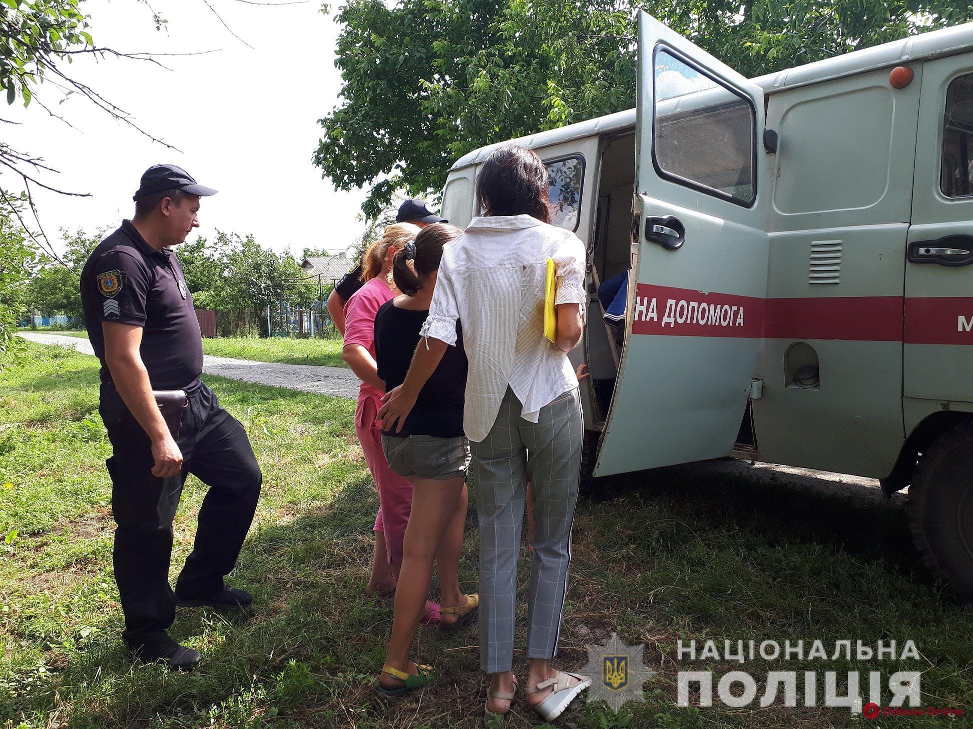Грязные и голодные: в Одесской области у пьющих родителей отобрали восьмерых детей