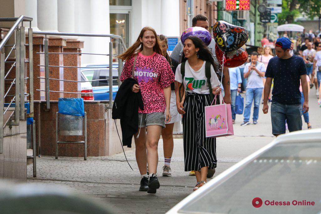 Яркие, стильные и дерзкие: уличная мода «по-одесски» (фоторепортаж)