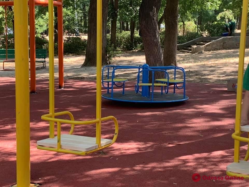 В парке Шевченко обновили детскую площадку