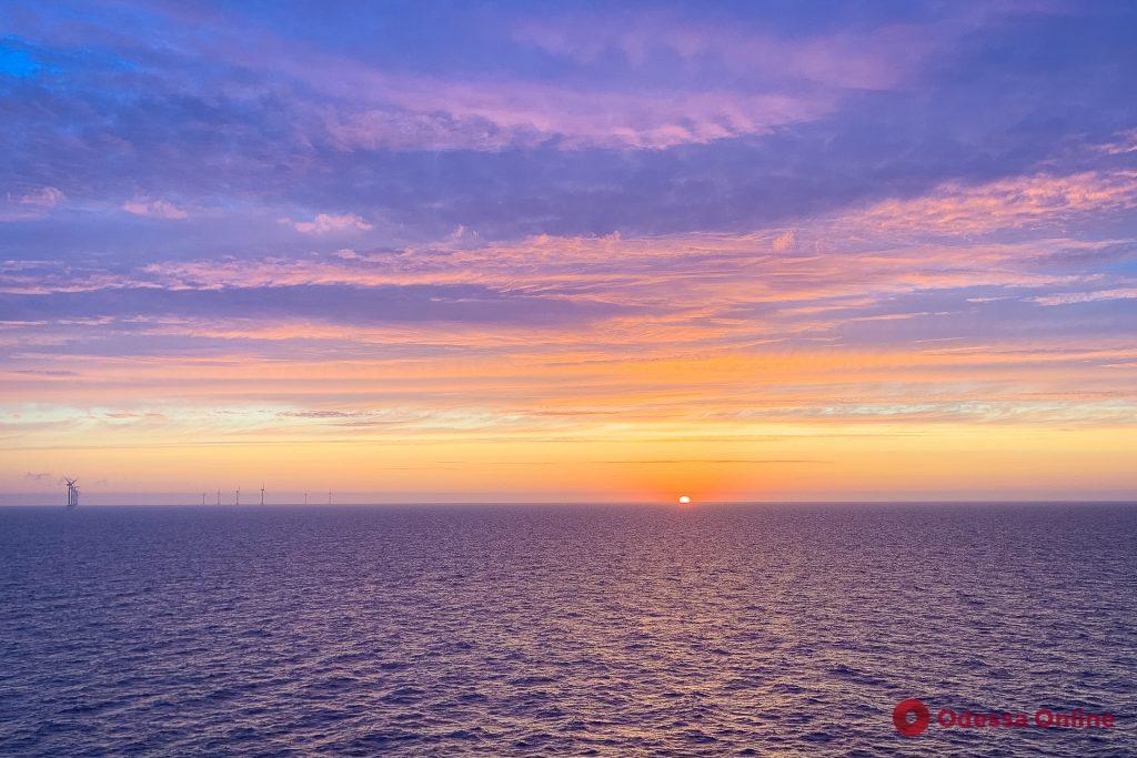 Мир глазами одессита: потрясающие рассветы над морем в Шотландии (фоторепортаж)