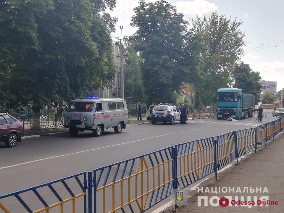В Одесской области женщина погибла под колесами грузовика