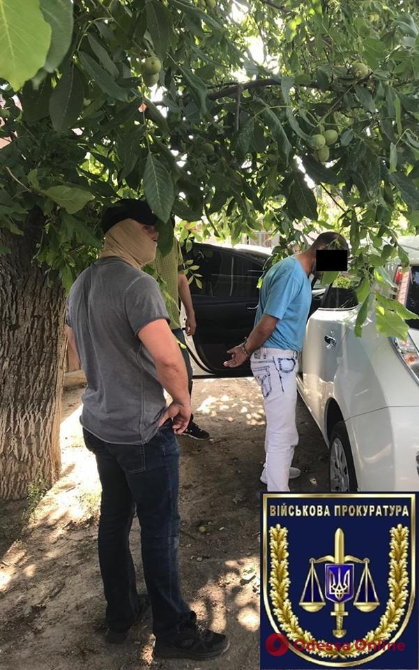 В Одессе полицейский требовал взятку у владелицы борделей