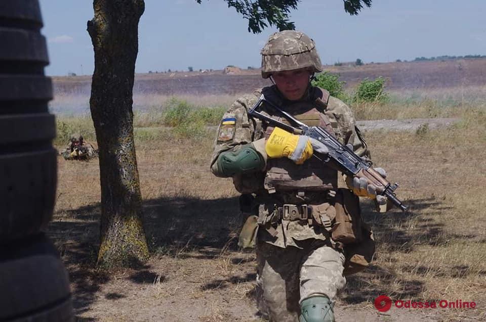 В Одесской области украинские морпехи готовятся к дежурству в «Хелброк»