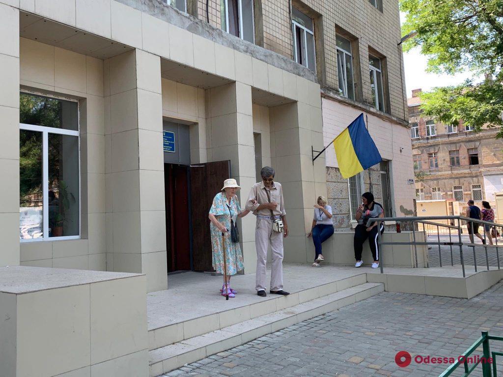 Как проходили выборы в Одессе и области: нарушения, «минирования» и предложение «помечтать»