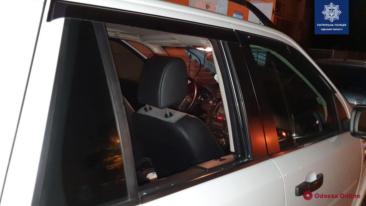 Одесские патрульные поймали скрывавшегося от суда автовора