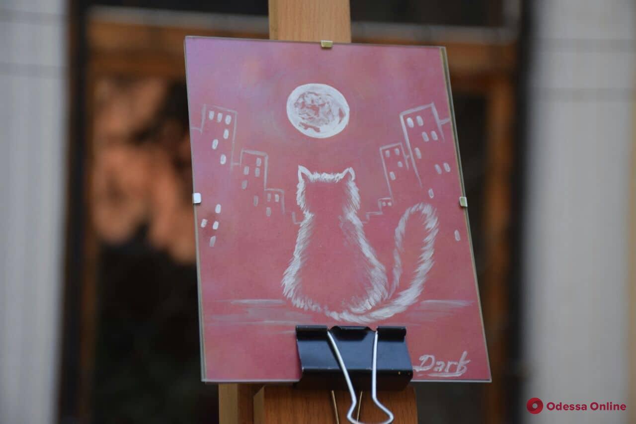 В Одессе прошла благотворительная ярмарка в честь обычной кошки