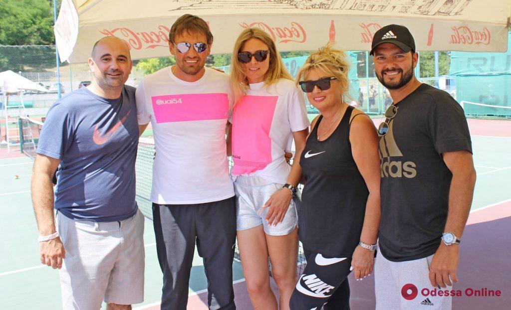 Даяна Ястремская сыграла в Одессе с юными теннисистами