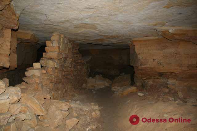 Пропавшие в одесских катакомбах туристы нашлись