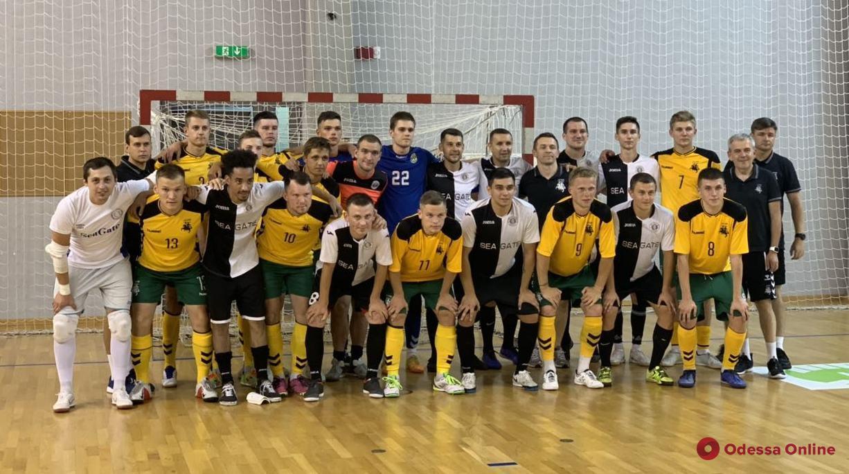 Футзал: любительская команда из Одессы сыграла командой из Литвы
