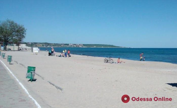 Арендаторы одесских пляжей не спешат заключать договоры на вывоз мусора