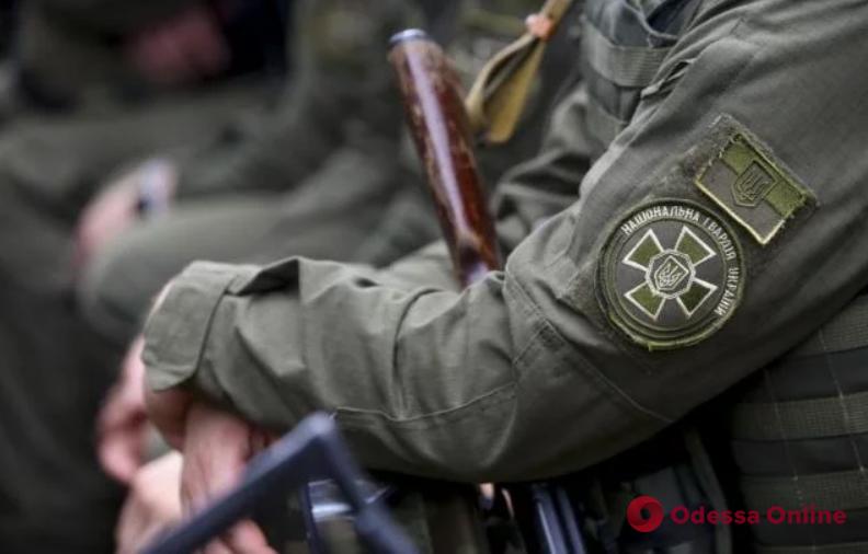 Стрельба в одесском суде: нацгвардейца с ранением головы доставили в больницу (обновлено)