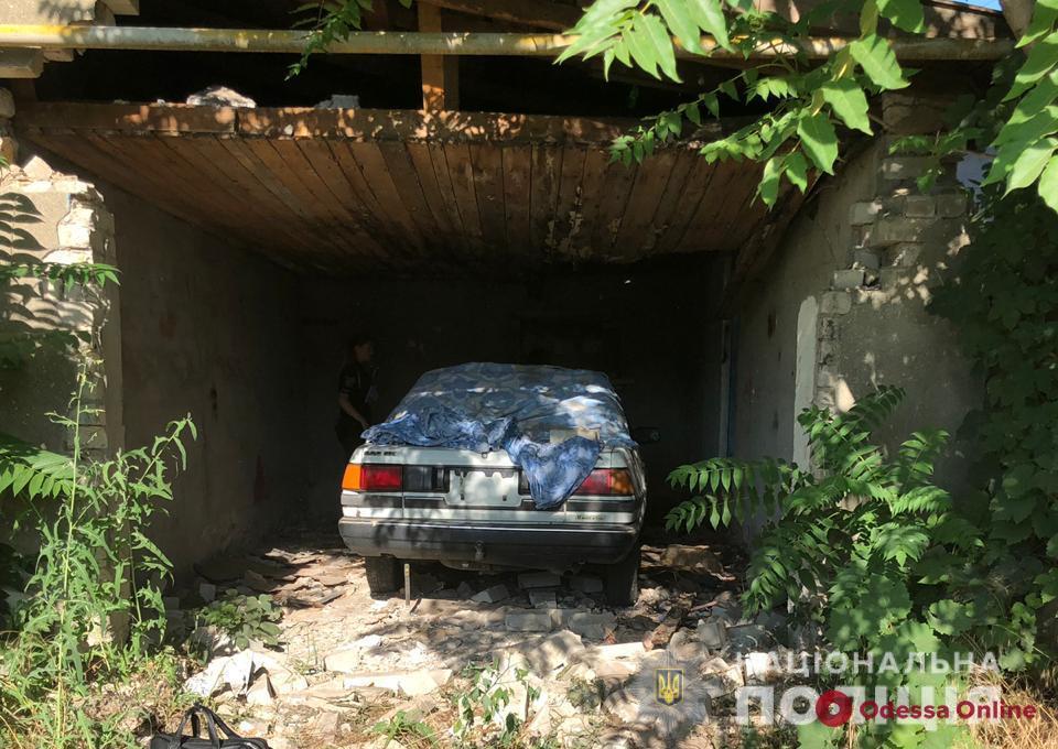На поселке Котовского угнали авто и пытались продать его на запчасти