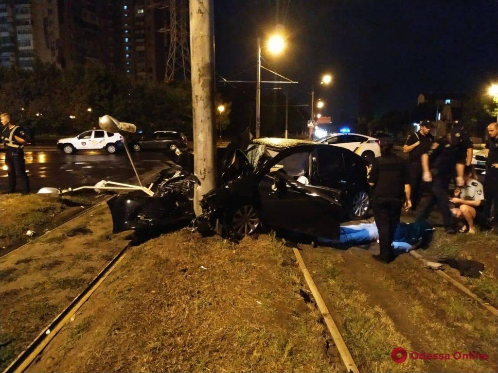 Ночью на Люстдорфской дороге произошло смертельное ДТП (фото)