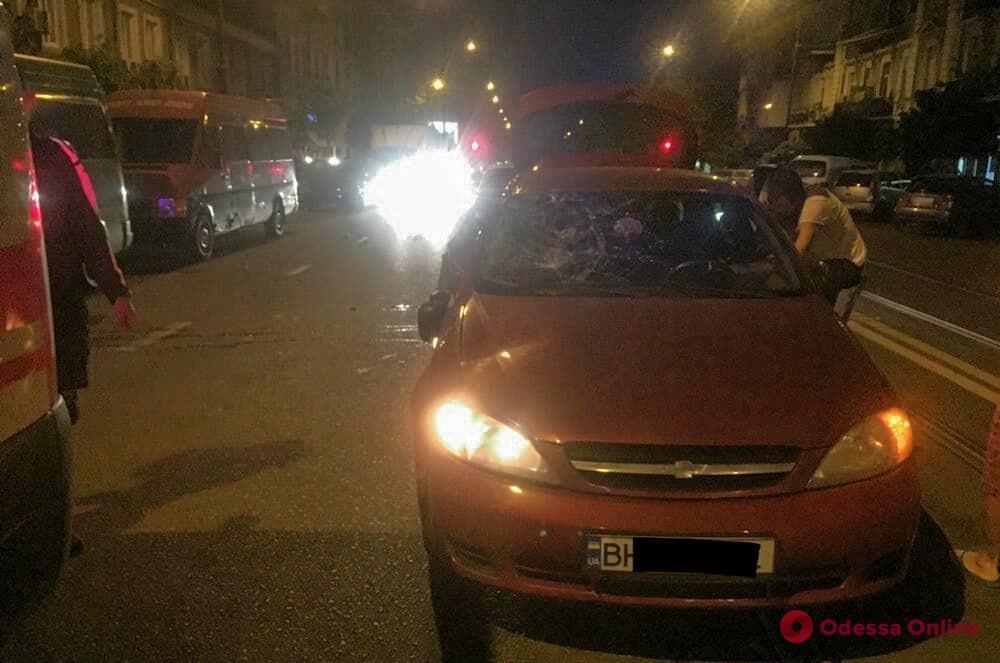 В центре Одессы Chevrolet сбил насмерть пешехода