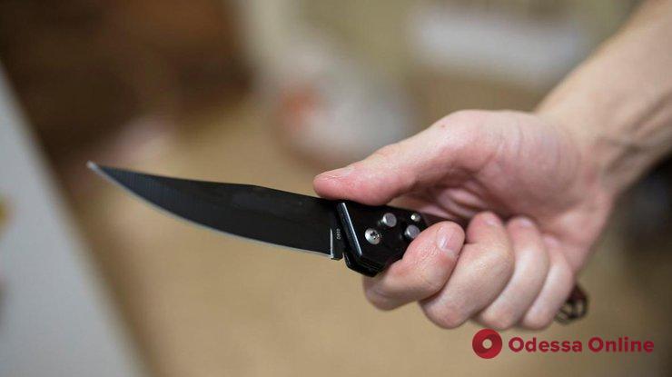 Иностранец с ножом набросился на одесситку