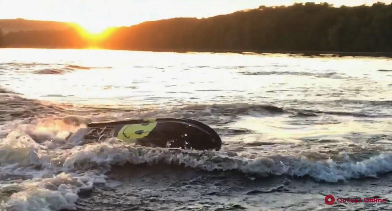 Вблизи пляжа «Дельфин» перевернулся гидроцикл с ребенком на борту