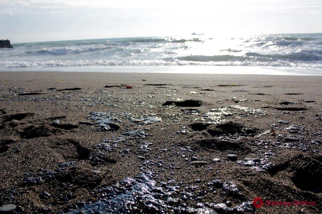 Одесские экологи рассказали о выбросе нефтепродуктов в море