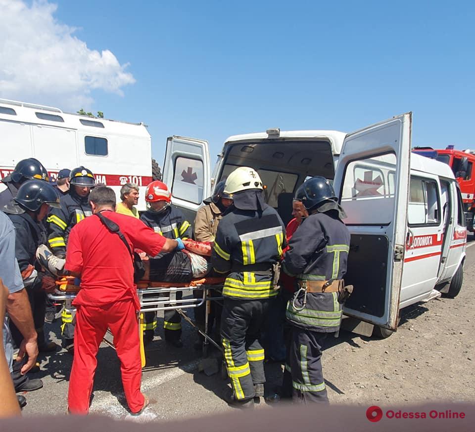 Авария на трассе Одесса-Рени: есть пострадавшие (фото) (обновлено)