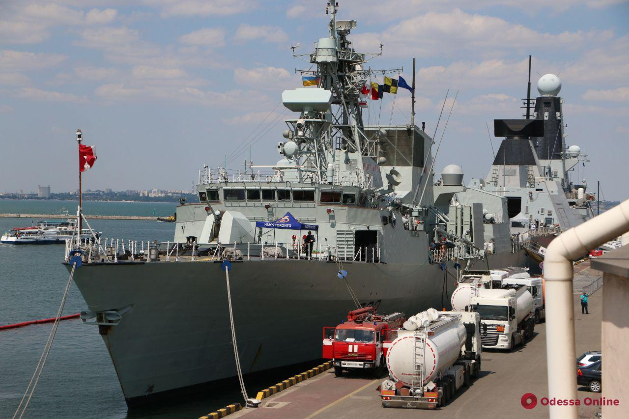 «Си Бриз-2019»: в Одесский порт зашли четыре корабля НАТО (фото)
