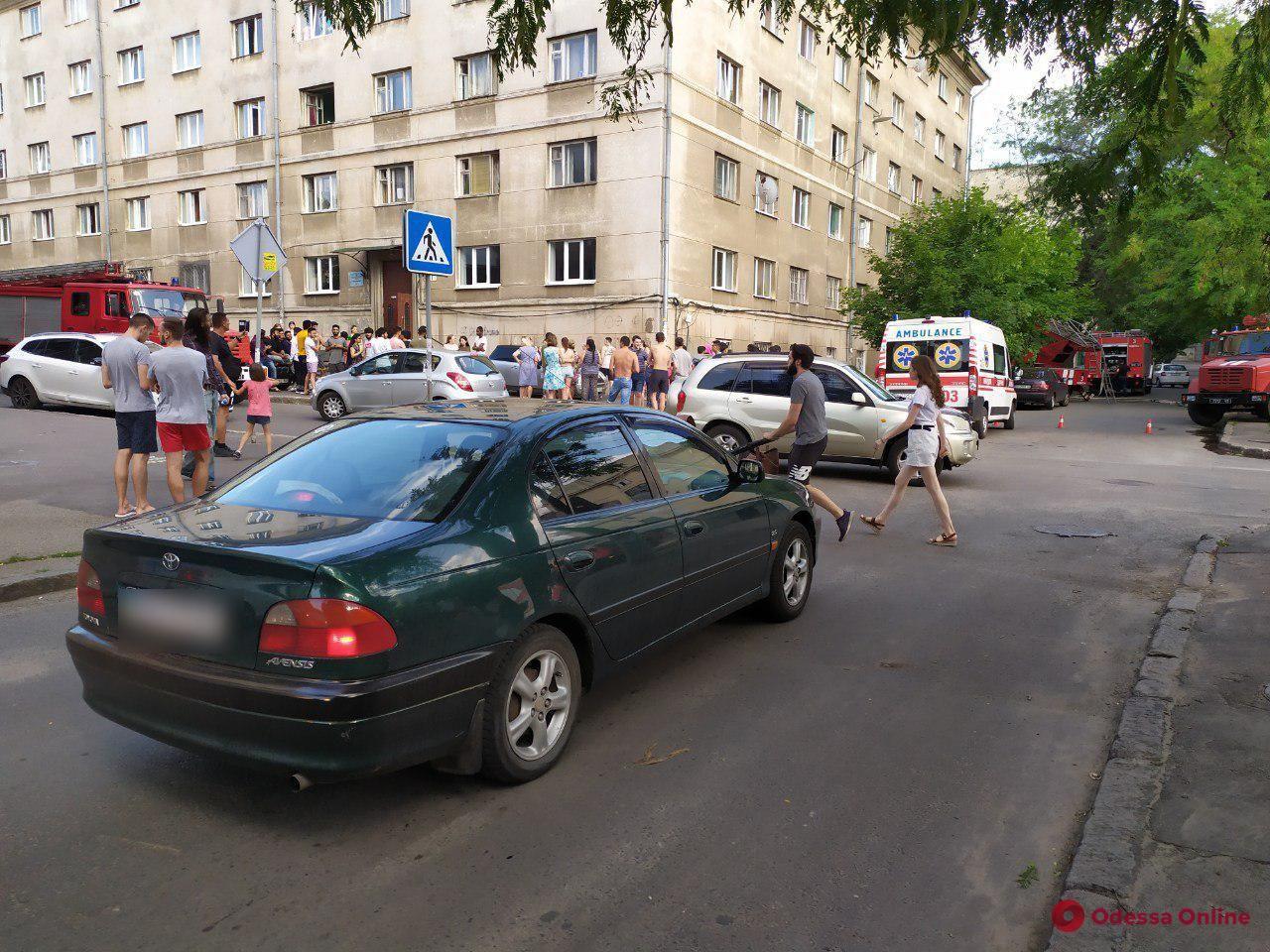 Одесса: в общежитии медуниверситета произошел пожар (обновлено)