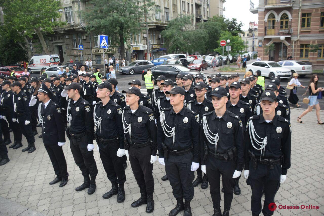Ряды одесской полиции пополнили 177 выпускников университета внутренних дел (фото)