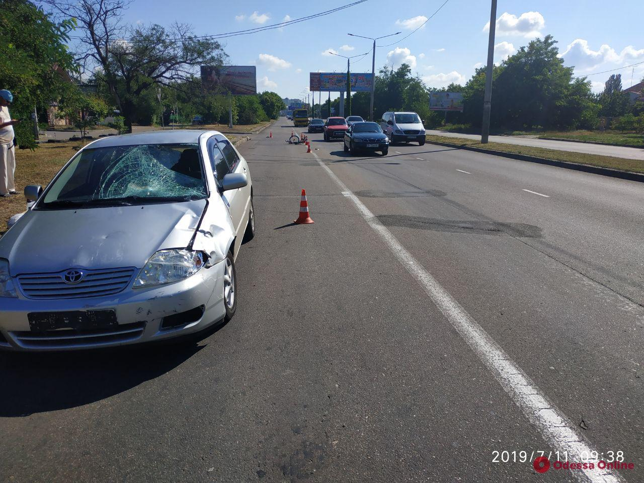 На Южной дороге автомобиль насмерть сбил велосипедиста