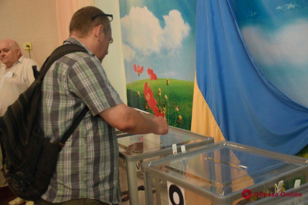 «Я связываю развитие страны с дальнейшим продвижением децентрализации», — городской голова отдал свой голос на  выборах