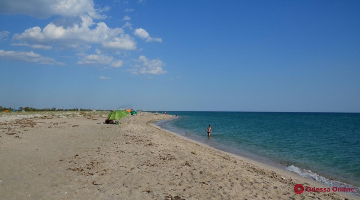 На пляже в Черноморске нашли труп
