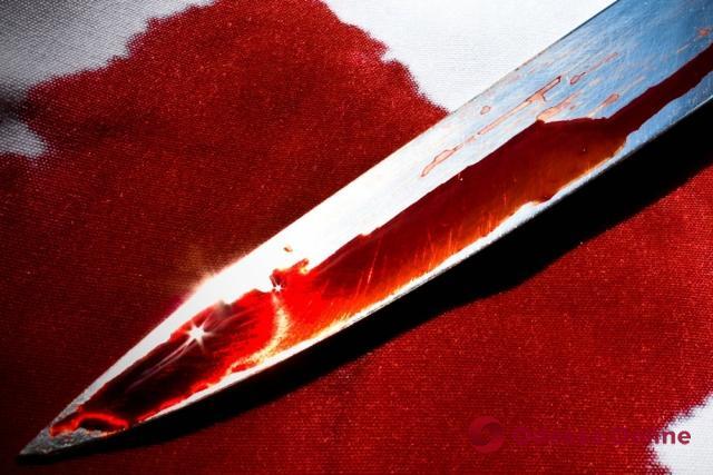 На Молдаванке муж-изменщик зарезал жену и ранил сына (фото, видео, обновлено)