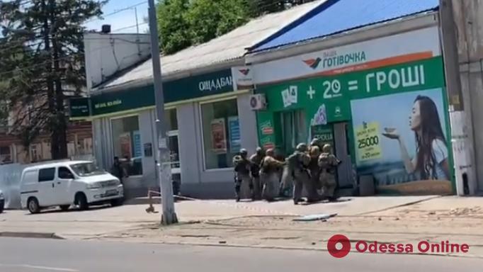 Одесса: появилось видео спецоперации по освобождению заложниц (обновлено)