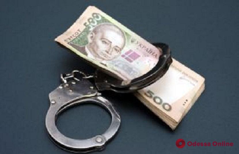 На Молдаванке мужчина настойчиво предлагал взятку патрульным