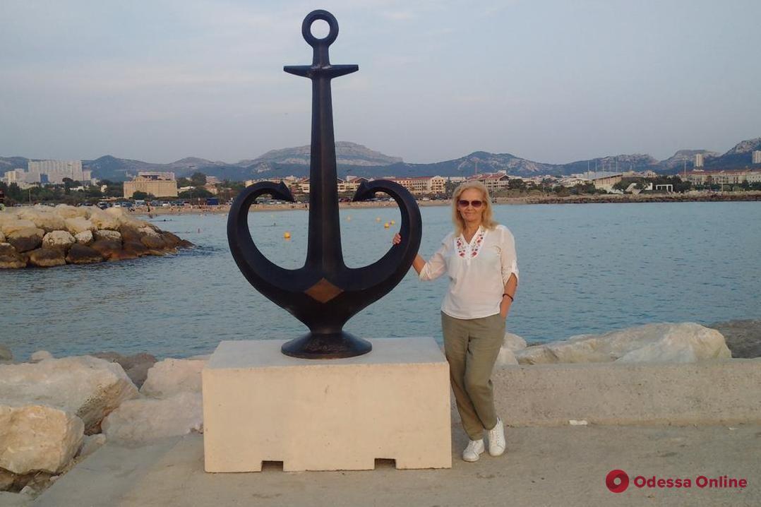 В Марселе теперь можно сфотографироваться на фоне туристического символа Одессы