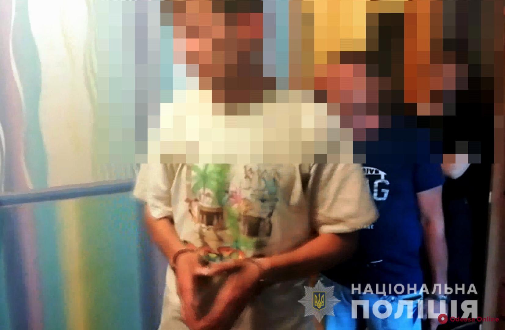 Трупы в черноморской квартире: хозяин задушил своего гостя, после чего второй гость убил хозяина