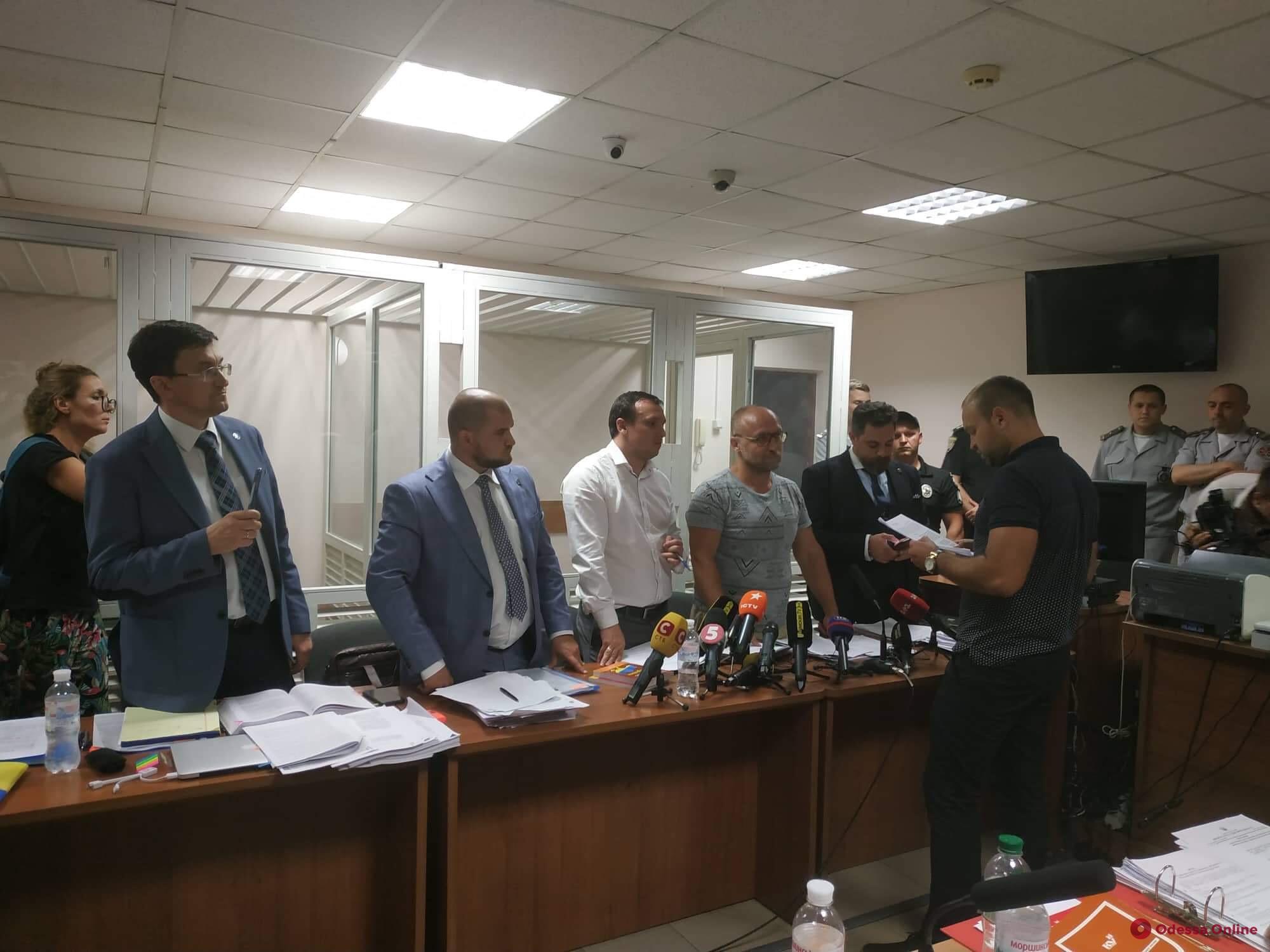 Пожар в «Токио Стар»: Вадиму Черному в зале суда повторно вручили подозрение
