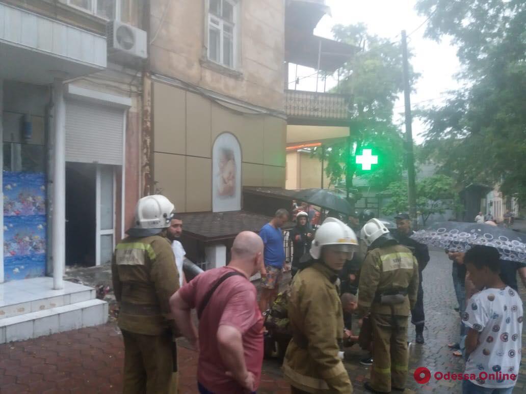 В центре Одессы при пожаре пострадал мужчина