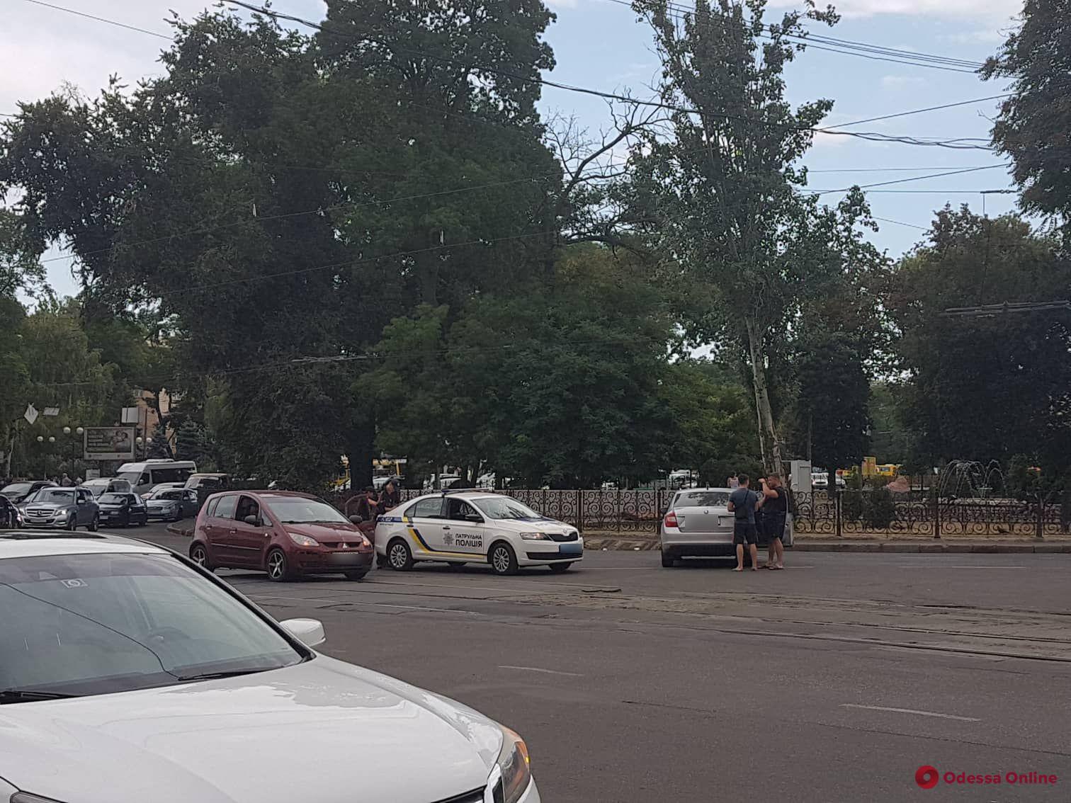 Из-за ДТП на Пантелеймоновской заблокировано движение трамваев