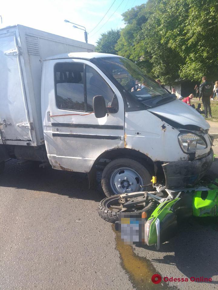 В Одессе столкнулись «ГАЗель» и мотоцикл