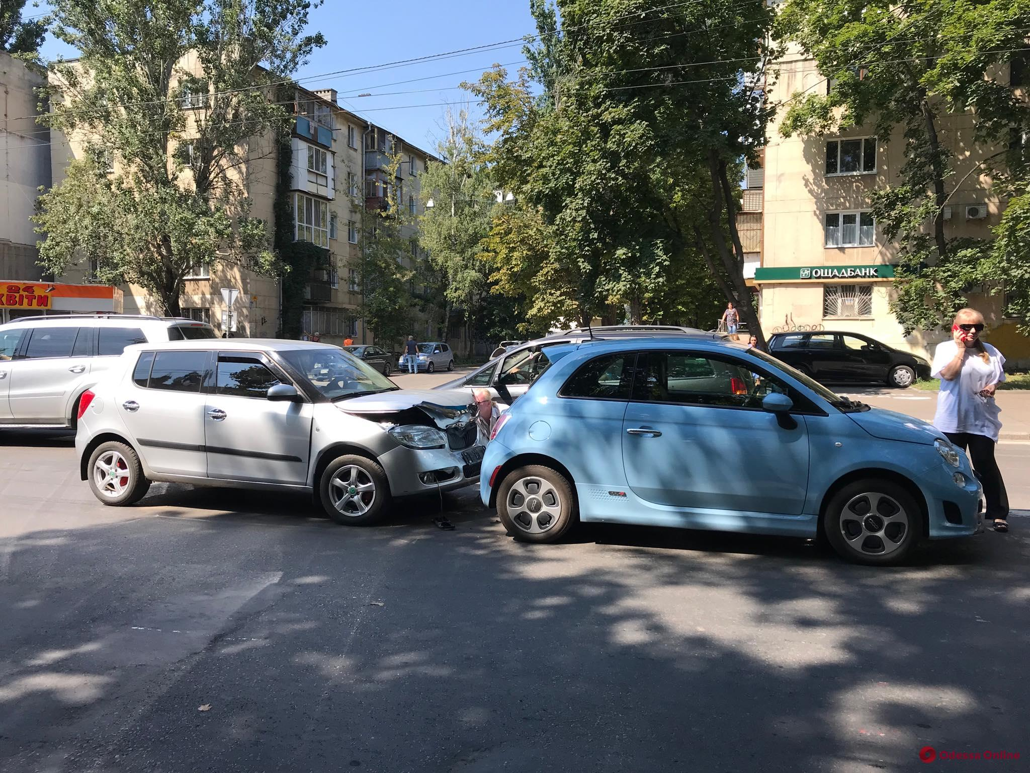 Из-за аварии на Сегедской затруднено движение