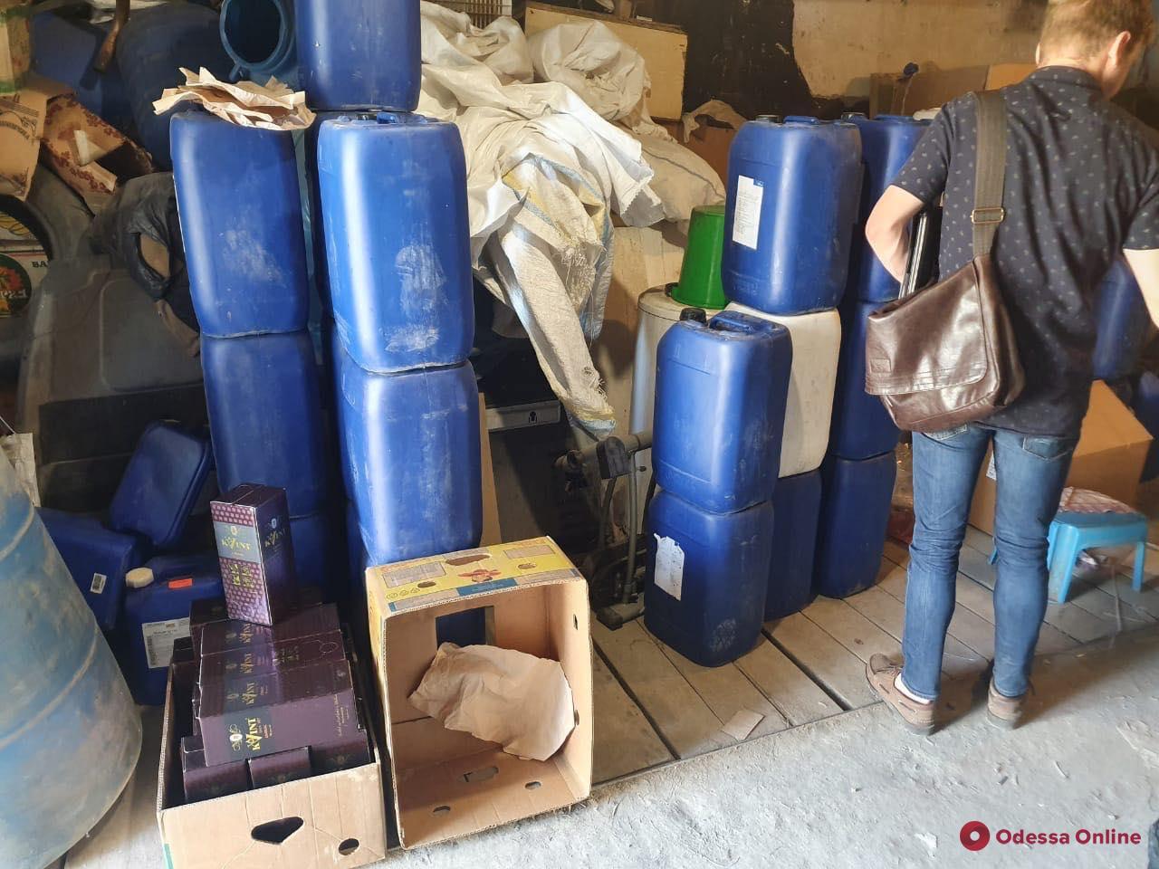 В Одесской области нашли тонну «паленого» алкоголя