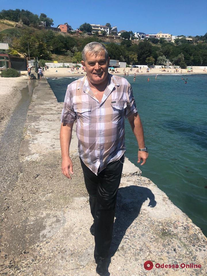 Директор Одесского зоопарка ловил в море напугавшую пляжников змею
