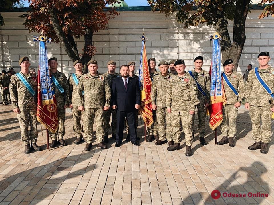 Одесской 28-й мехбригаде присвоили имя Рыцарей Зимнего похода